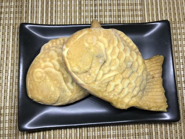 セブンプレミアム:北海道産小豆たいやき 袋から出して凍っているたいやき
