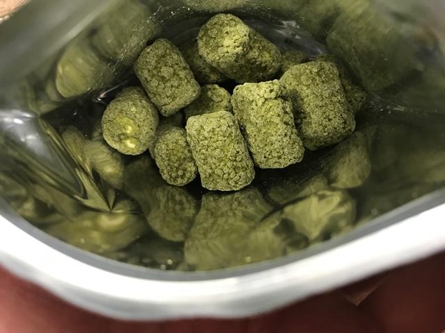 セブンプレミアム:宇治抹茶使用抹茶マシュマロチョコレートの袋を開封したところ